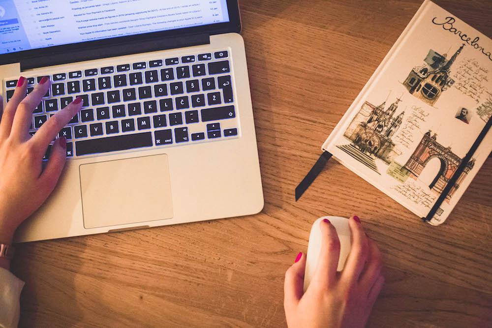 lovily blog apple macbook laptop