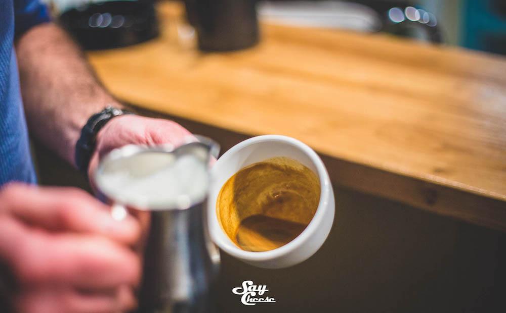 soljica kafe iscrtavanje po kafi